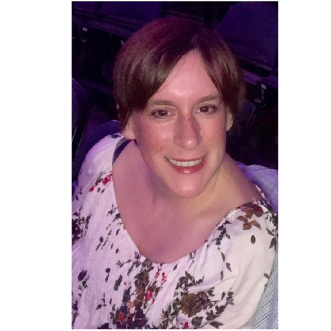 Dianne resides in Folsom, PA with her husband Michael and enjoys spending time with her family,  as well as gardening. She has a background in finance and meditation follow her on Instagram @Dianne_b_williams